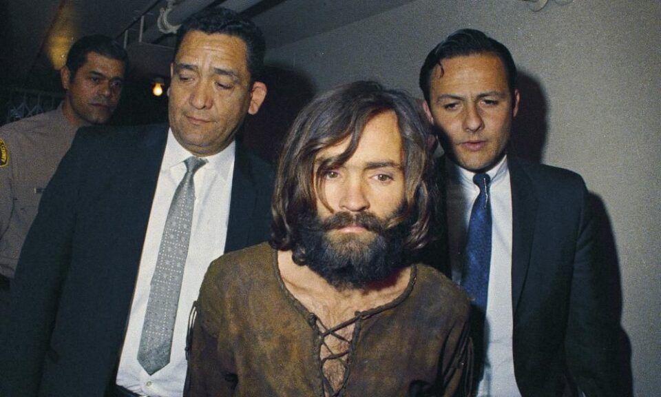 Charles Manson, quem é? História do líder da seita hippie assassina