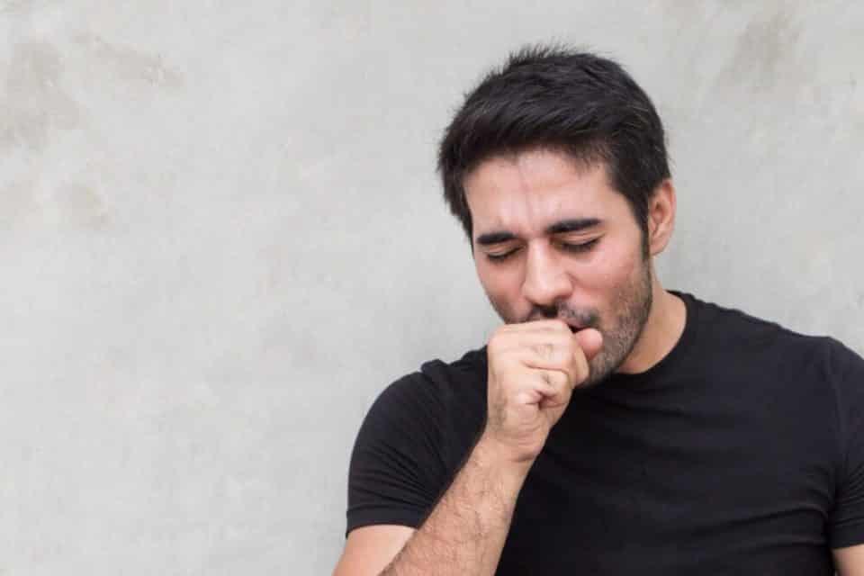 Tosse seca – Principais causas, tratamento e medicação