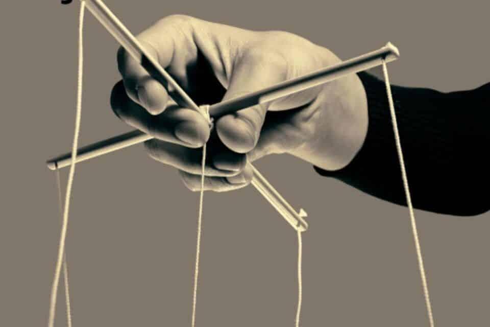 Tortura psicológica, o que é? Como identificar essa violência