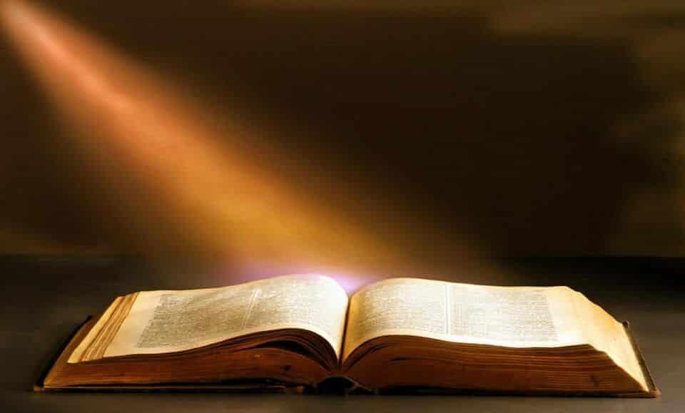 Bíblia – Origem,significado e importância do símbolo religioso