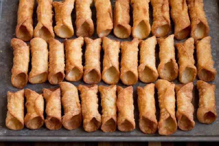 Cannoli: história, curiosidades e receita do doce italiano