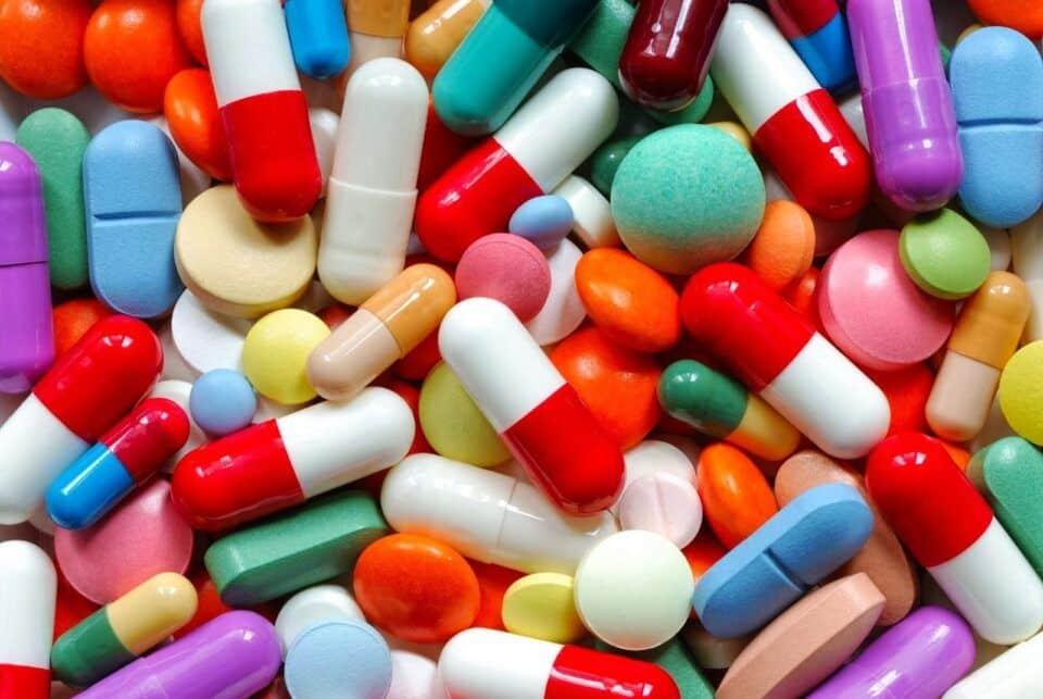Tomar remédio vencido – Mitos e verdades sobre seu consumo