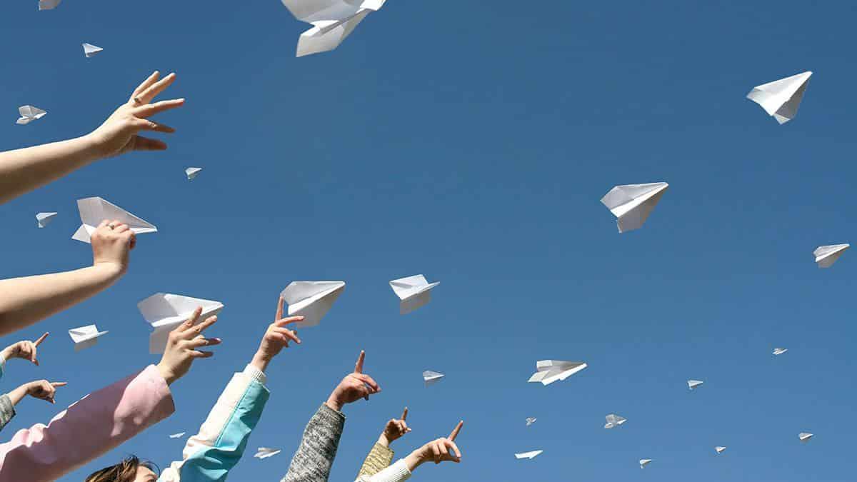 Avião de papel - como funciona e como fazer seis modelos diferentes