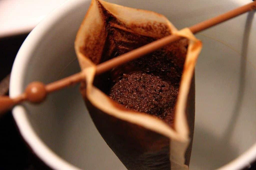 Borra de café - 8 benefícios do resto de pó não utilizado na bebida