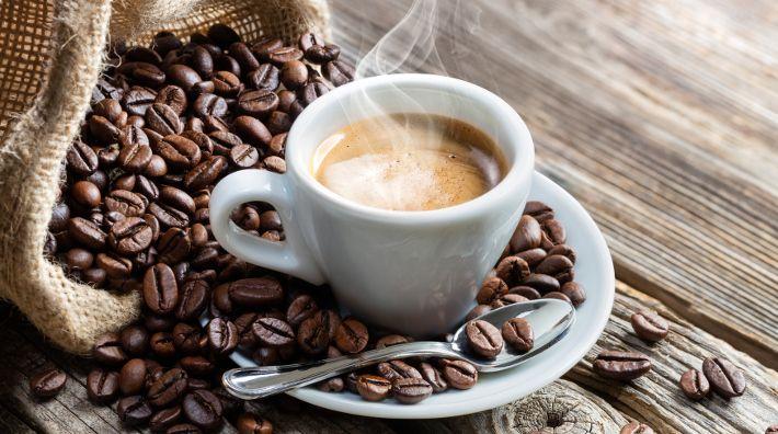 Café descafeinado - como é produzido e principais benefícios