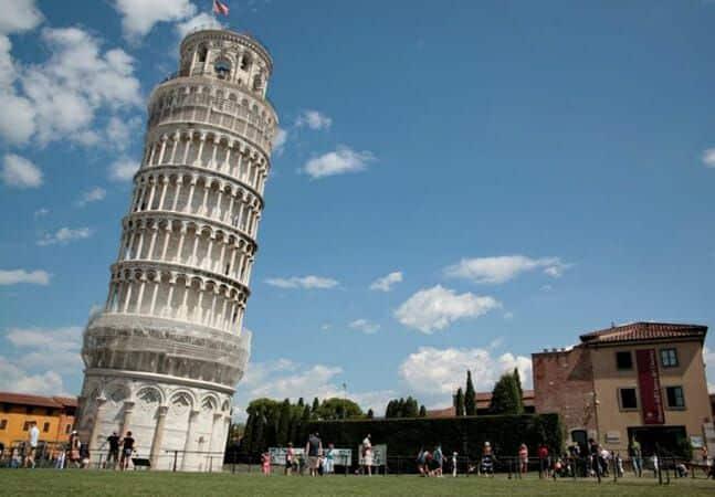 Fotografia da Torre de Pisa para ilustração do item