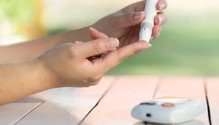 Efeitos do açúcar no corpo: entenda os riscos do consumo excessivo