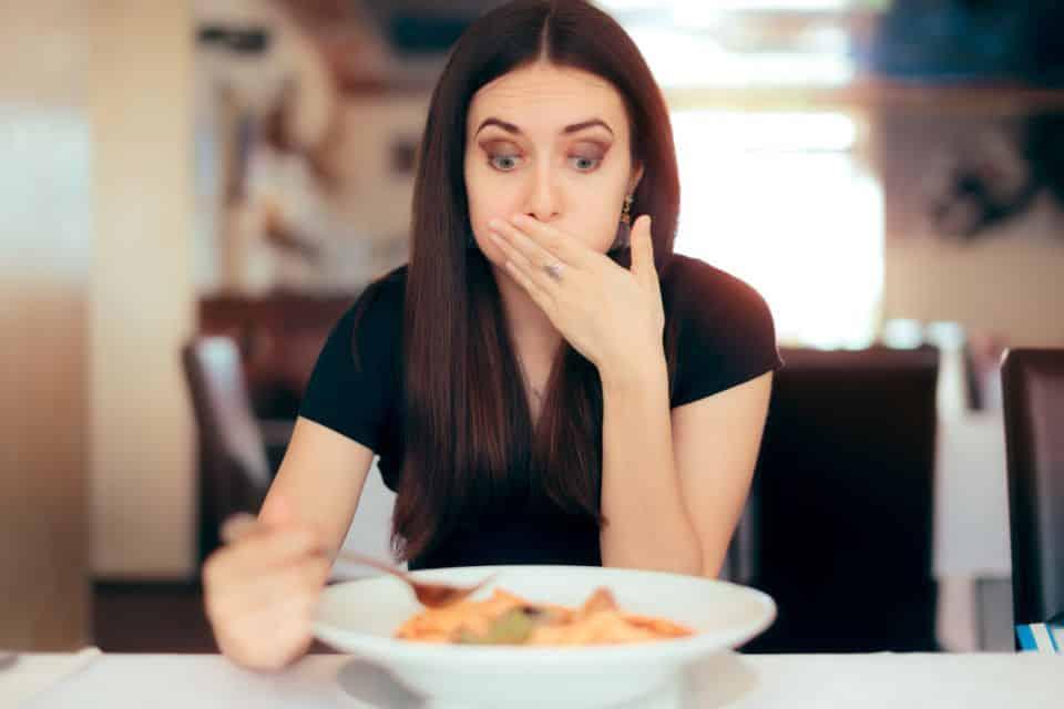 Emetofobia, o que é? Sintomas, causas e tratamento do medo de vomitar