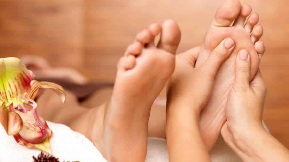 Massagem nos pés – Para que serve, como fazer e benefícios