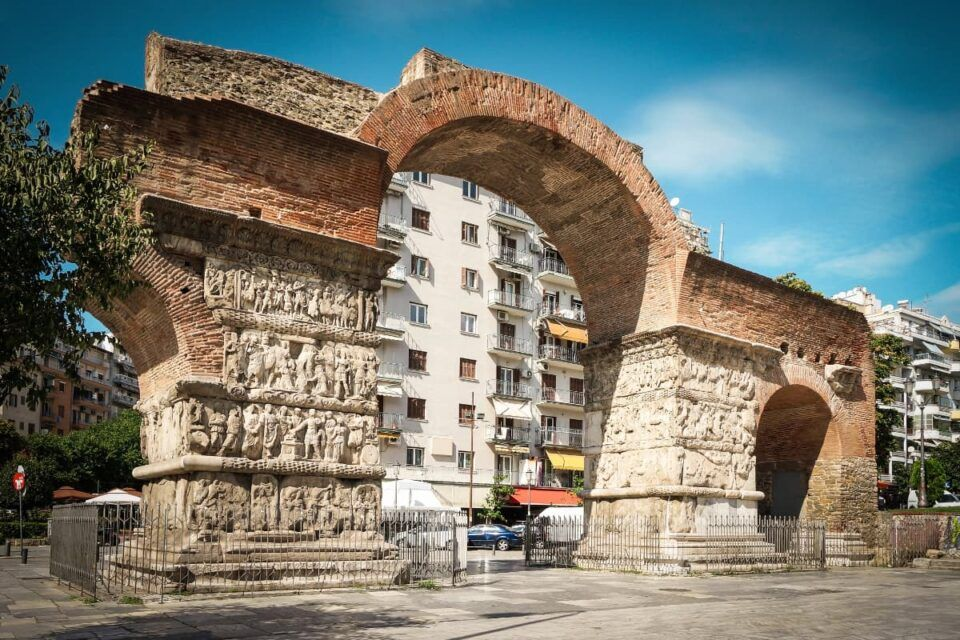 Arco de Galério – História por trás do monumento da Grécia