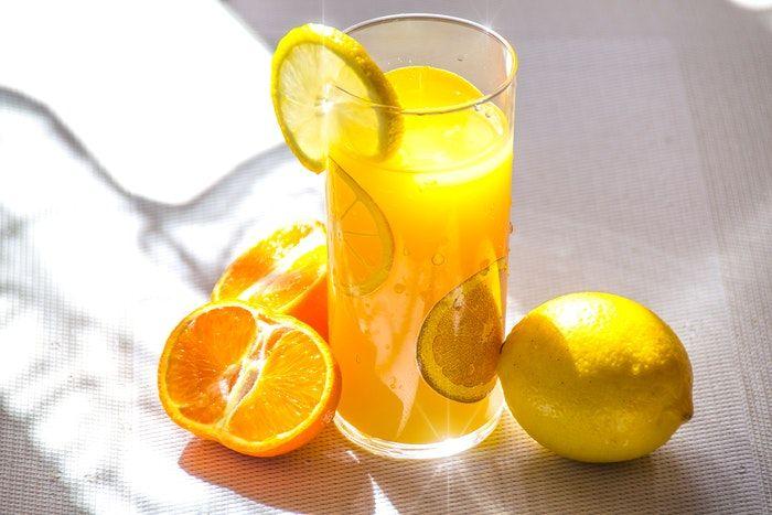 Benefícios da laranja: por que incluir a fruta na sua alimentação?