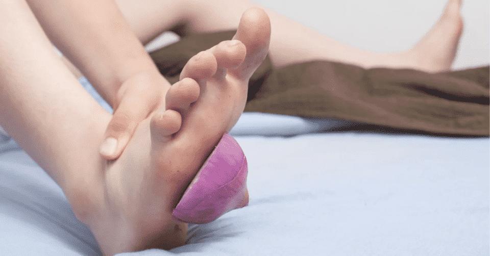 Cebola no pé – Verdade ou mentira por trás da promessa de purificação