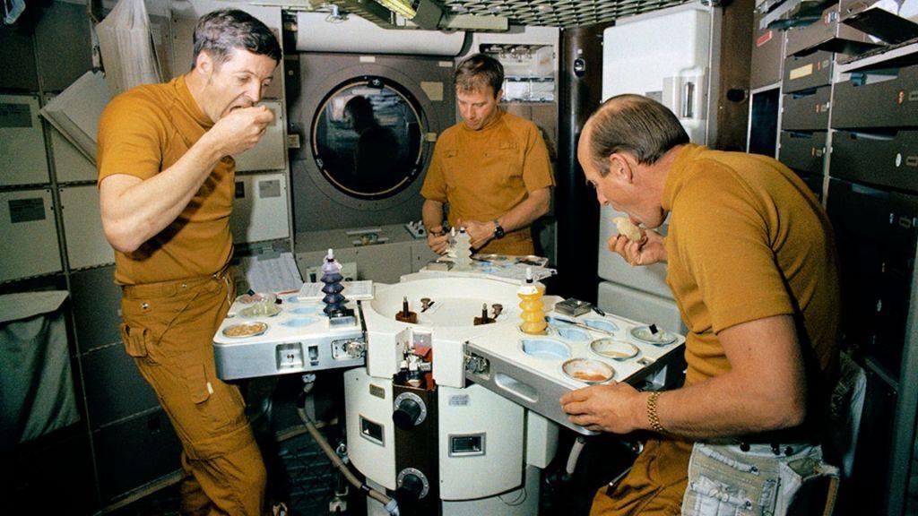 Comida de astronauta - o que pode ou não pode ser levado para o espaço