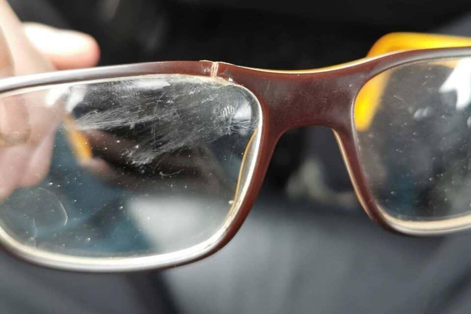 Como tirar arranhões de óculos – O que fazer para proteger as lentes