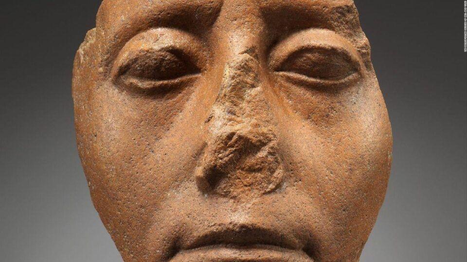 Estátuas do Egito – Por que elas têm os narizes quebrados?
