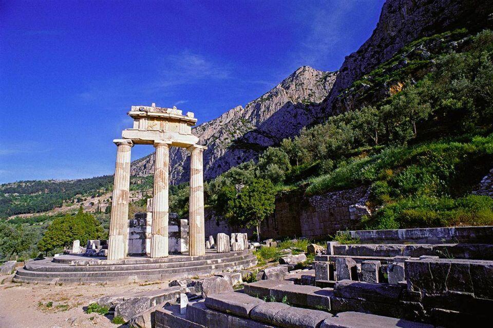 Oráculo de Delfos – Origem, curiosidades e importância arqueológica