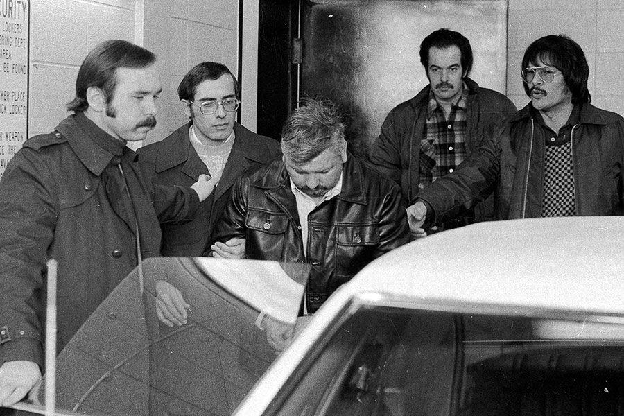 Palhaço Pogo - o serial killer que matou 33 jovens na década de 70