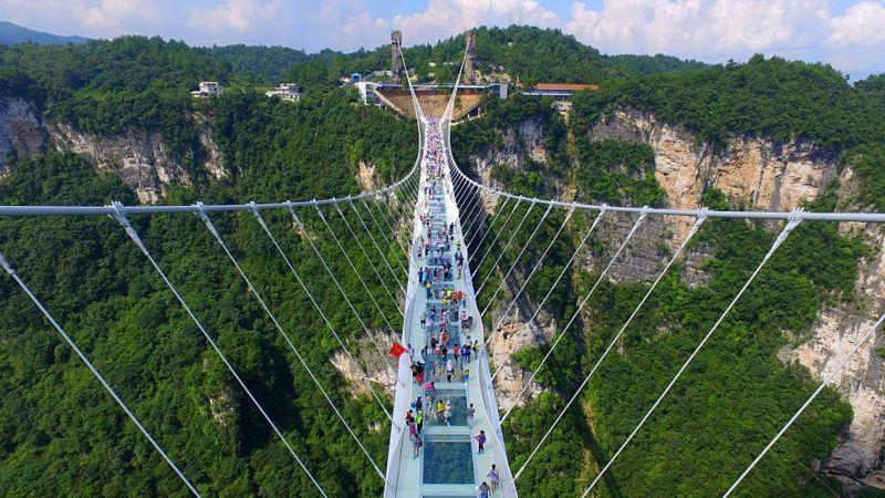 Pontes de vidro – 9 construções curiosas ao redor do mundo