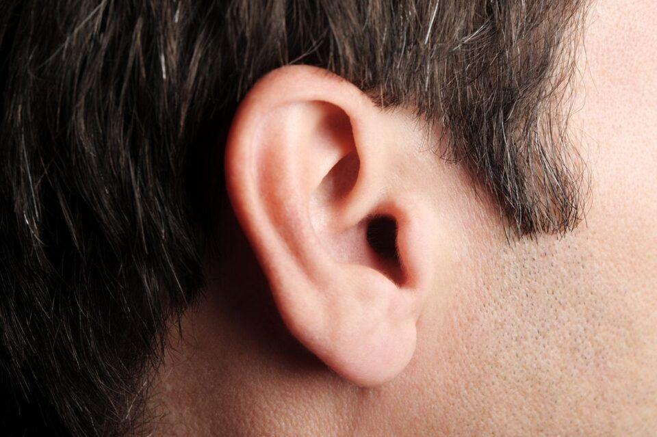 Como tirar cera do ouvido – Técnicas para limpeza + dicas