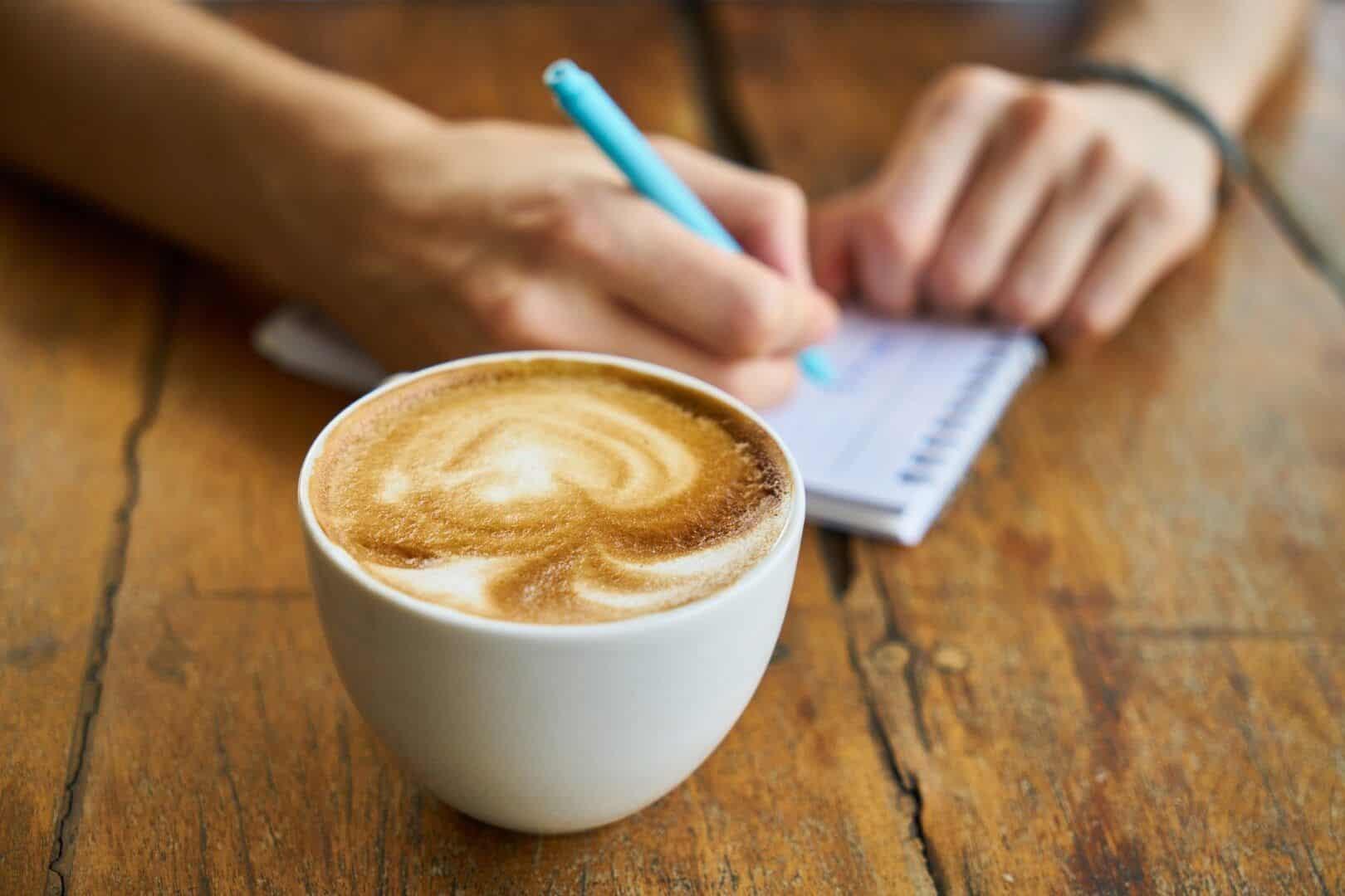 Efeitos da cafeína - conheça as reações positivas e negativas