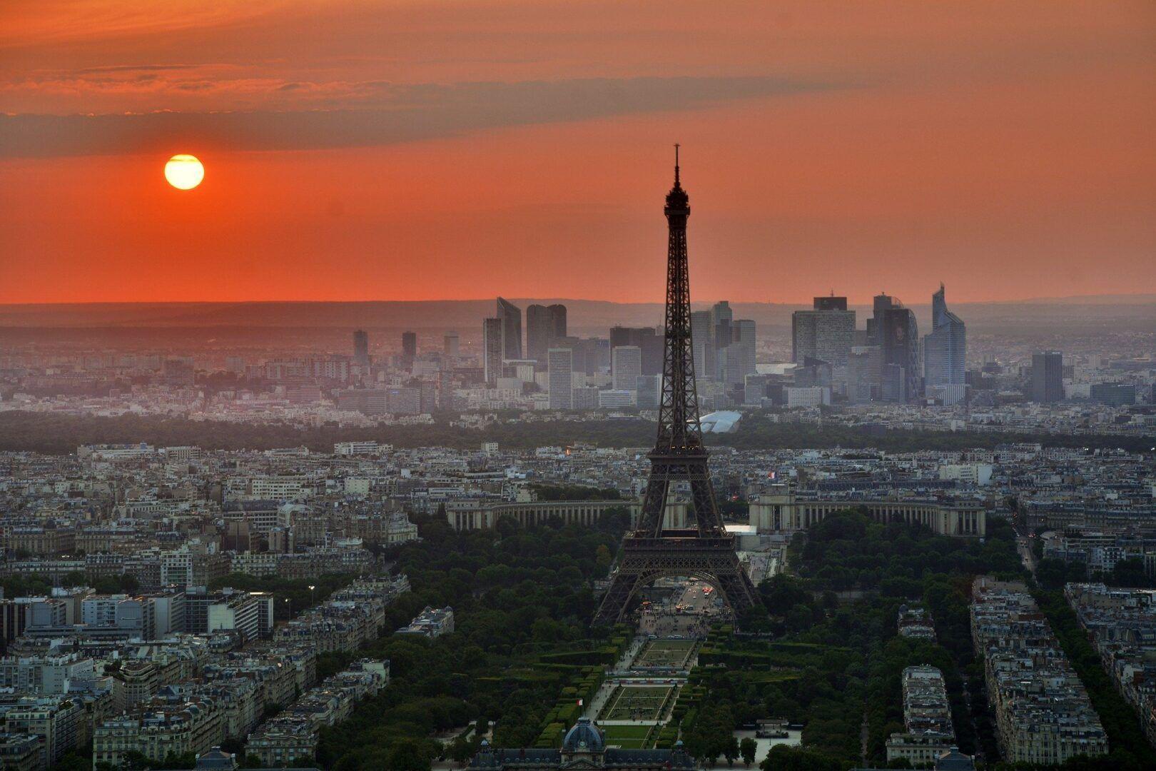 História da Torre Eiffel - origem e curiosidades sobre o monumento