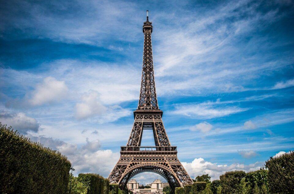 História da Torre Eiffel: origem e curiosidades sobre o monumento