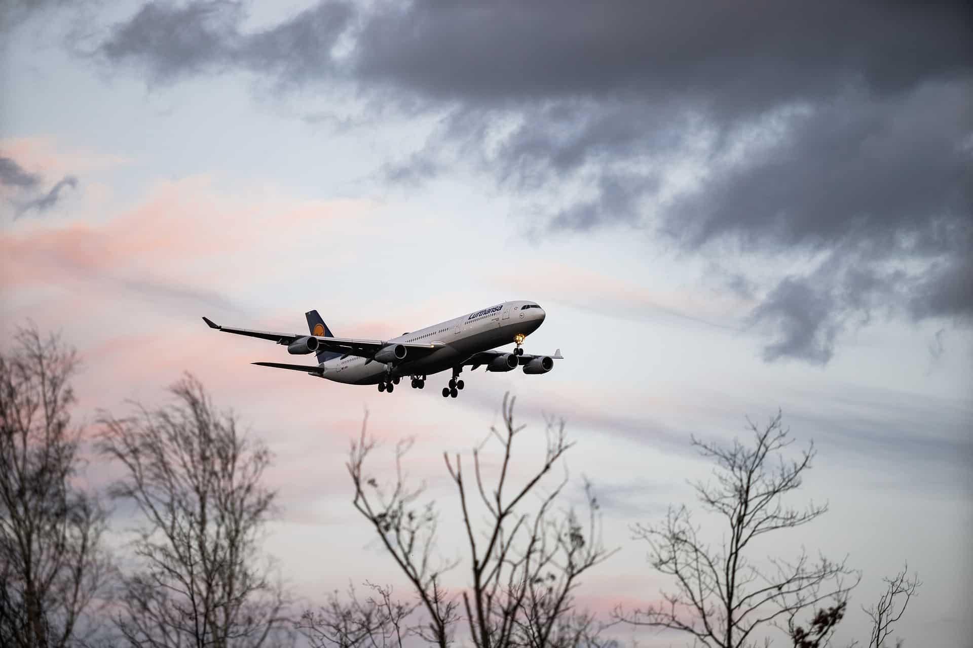 Fotografia de um avião para ilustração do item
