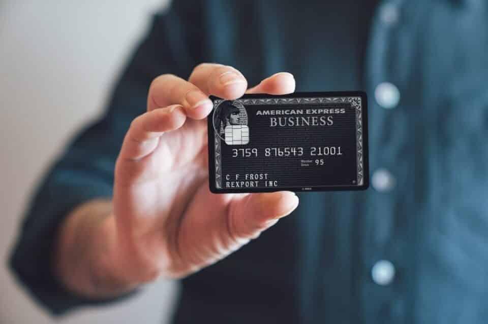 Cartões Black: vantagens, benefícios e como conseguir