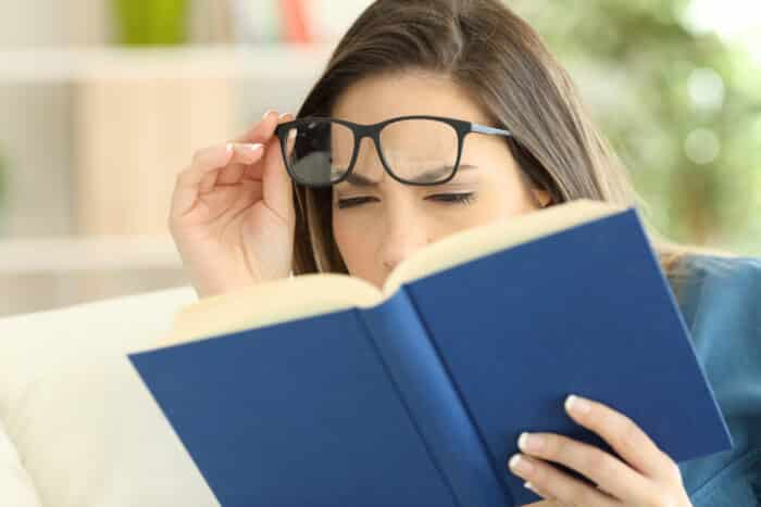 O que aumenta o grau do óculos e quando ir ao oftalmologista?