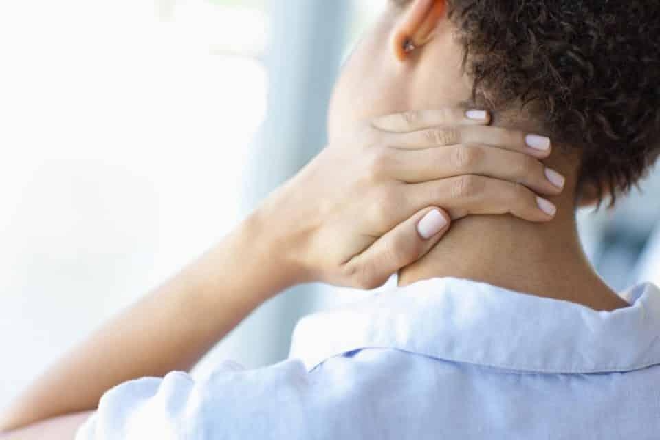 Como aliviar a dor no pescoço? Técnicas e dicas práticas